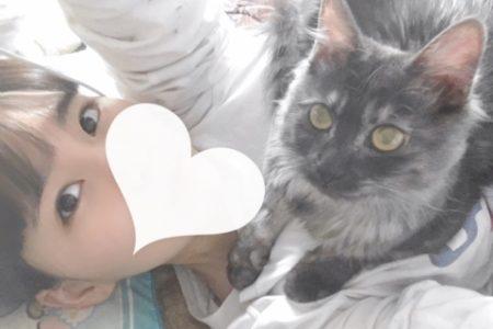 ノーブラJK制服いちゃキャバ【はっち∞神田店】公式HP 在籍キャスト いのり猫とツーショット