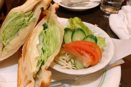 ノーブラJK制服いちゃキャバ【はっち∞神田店】公式HP 在籍キャスト あきカフェの写真